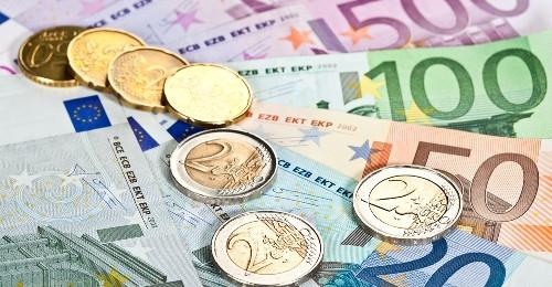 #HLASPROEURO: Přinese euro zvýšení cen, zatímco příjmy zůstanou stejné?