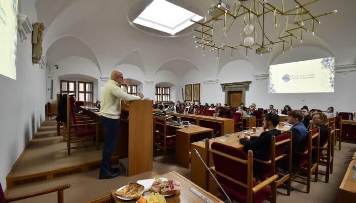 Telička vPlzni: Věřím, že mladé generace odmítnou českou pasivitu vEU achopí se možnosti azodpovědnosti